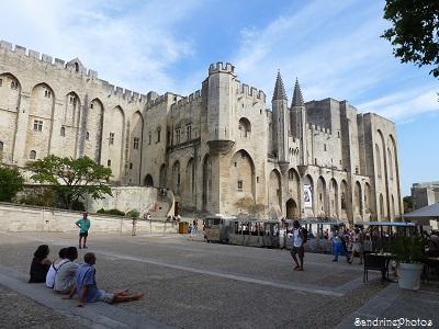 Avignon-Festival Off, Palais des Papes, Pont d`Avignon, Provence, 20 juillet 2013 (20)